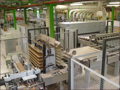 Отличие этого способа от технологии HPL, состоит в способе производства верхнего слоя ламината.